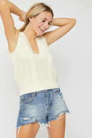 hers and mine Cable Sweater Vest - Side cropped