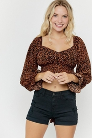 hers and mine Long-Sleeve Leopard Top - Side cropped