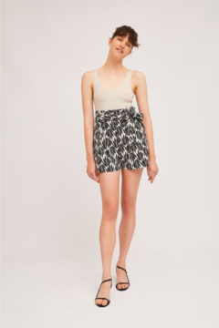 Compania Fantastica Hi Waisted Belted Shorts - Alternate List Image