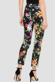 Joseph Ribkoff  High-contrast graphic print covers this pixie crop pant - Side cropped