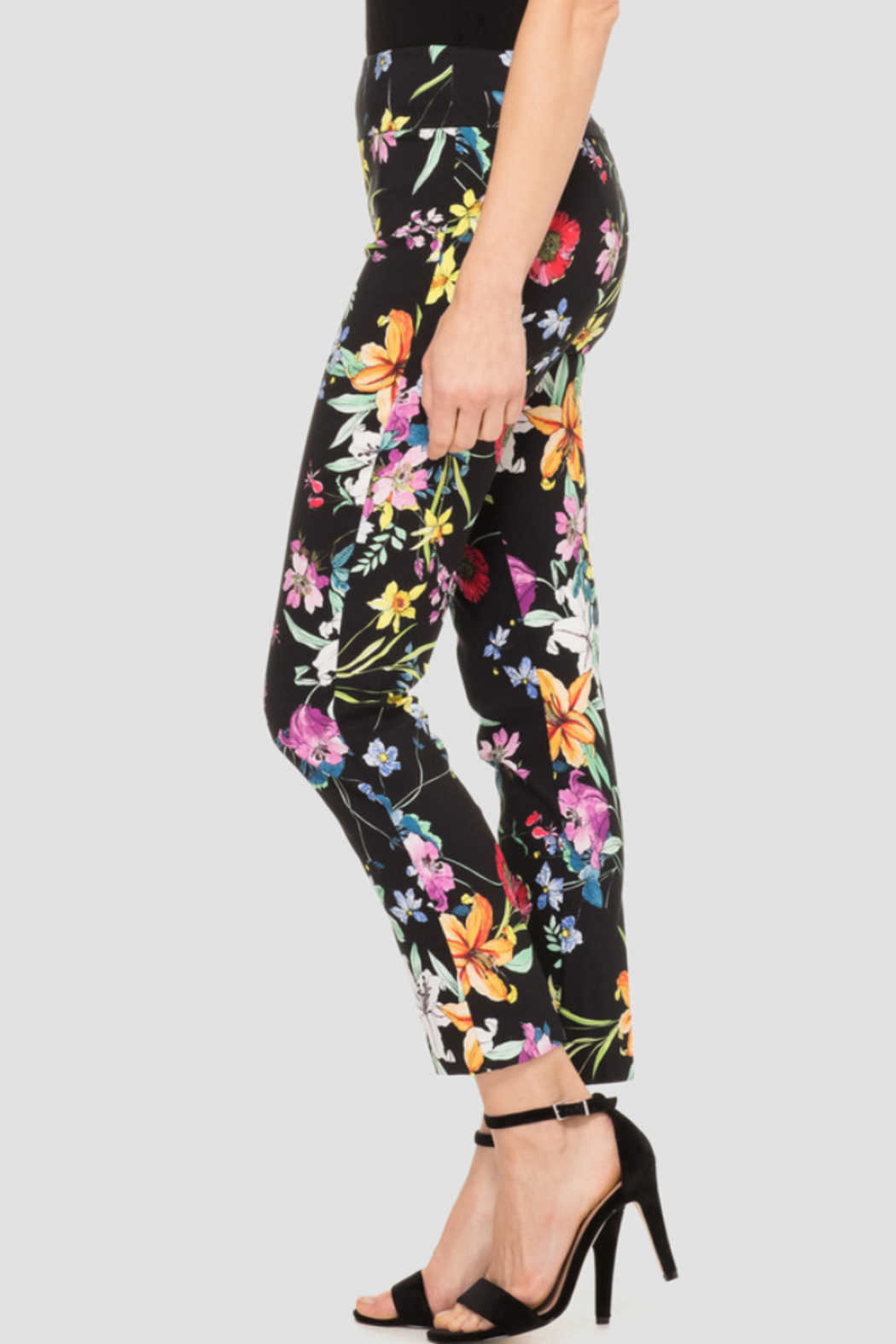 Joseph Ribkoff  High-contrast graphic print covers this pixie crop pant - Front Full Image