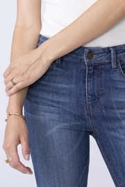 Unpublished High Rise Skinny's - Side cropped
