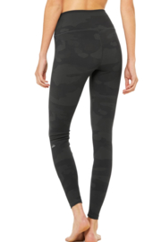 Alo Yoga  High Waist Camo Vapor Legging - Back cropped