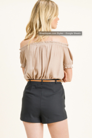 MONTREZ HIGH WAISTED BELTED CHINO SHORTS - Back cropped