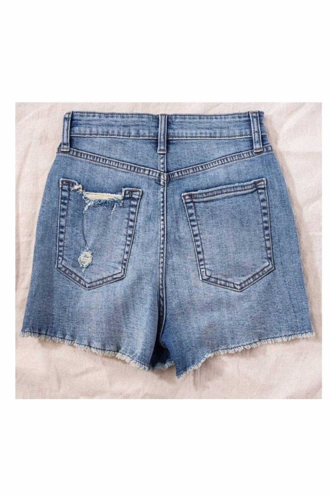 Trend Notes  High Waisted Button Denim Shorts - Side Cropped Image