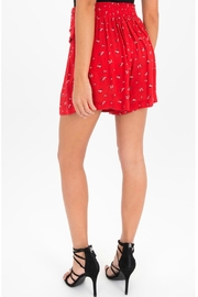 Black Swan Holly Print Shorts - Side cropped