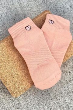 Honey Lucky Honey Luck Peach Boyfriend Barre Sock with Grips - Product List Image