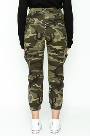 Honey Punch Camo Cargo Pants - Back cropped