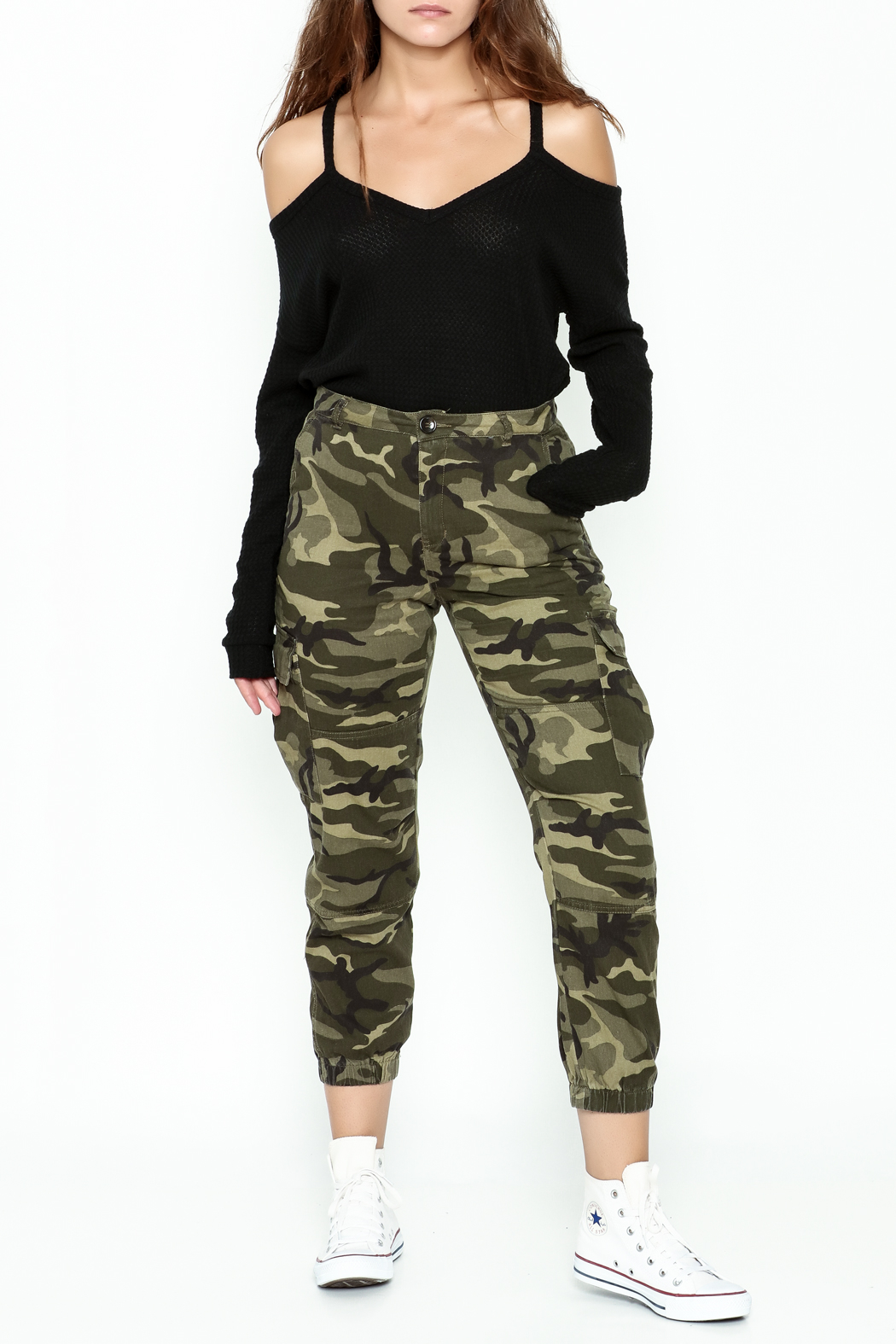 Honey Punch Camo Cargo Pants - Side Cropped Image