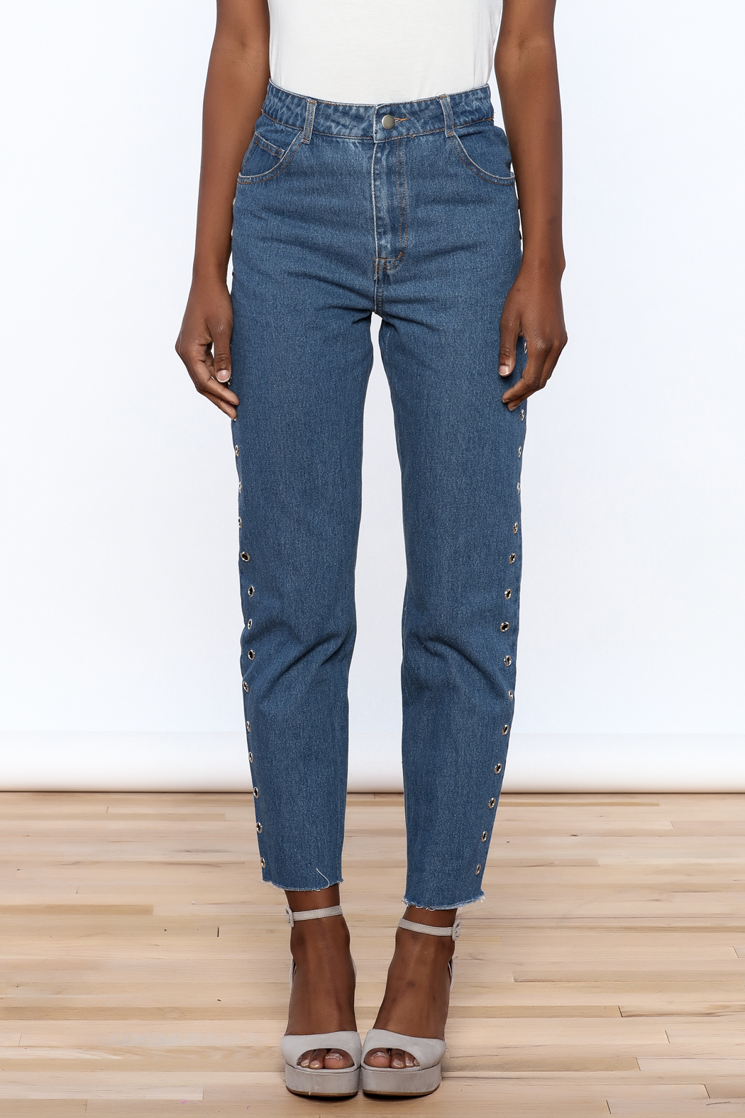Honey Punch Cropped Boyfriend Jeans - Side Cropped Image