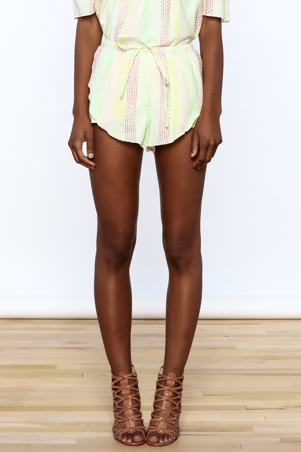 Honey Punch Yellow Stripe Print Shorts - Side Cropped Image