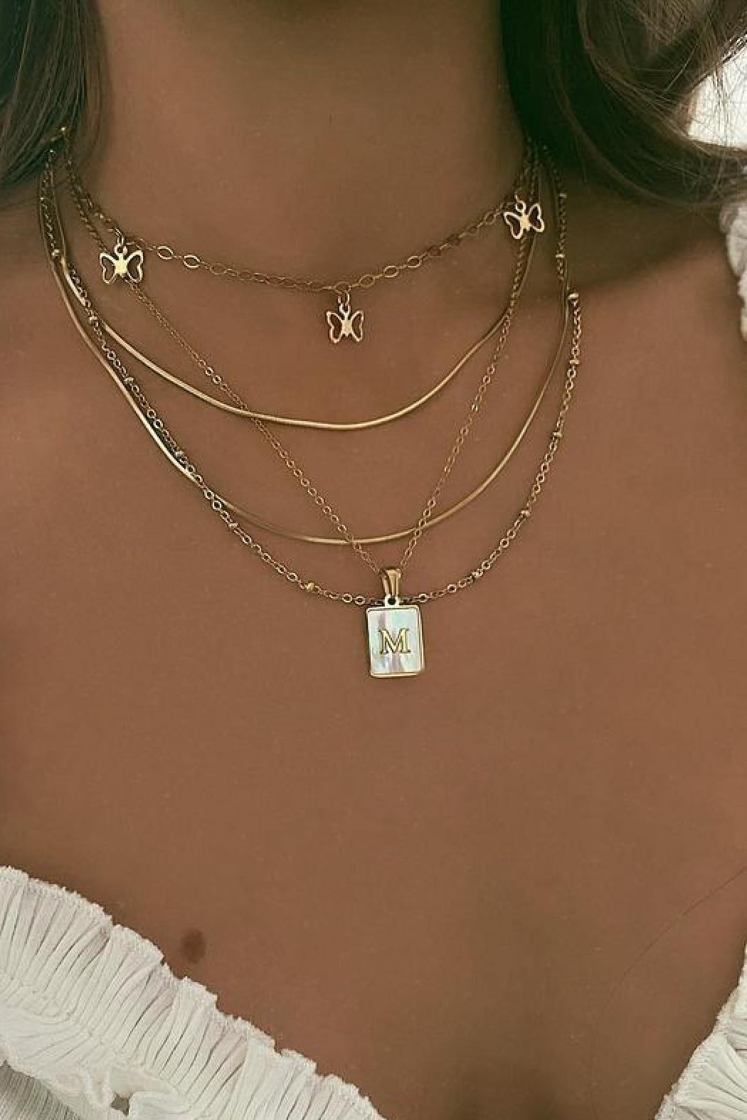 Honey + Lo Pearla Initial Necklace - Side Cropped Image