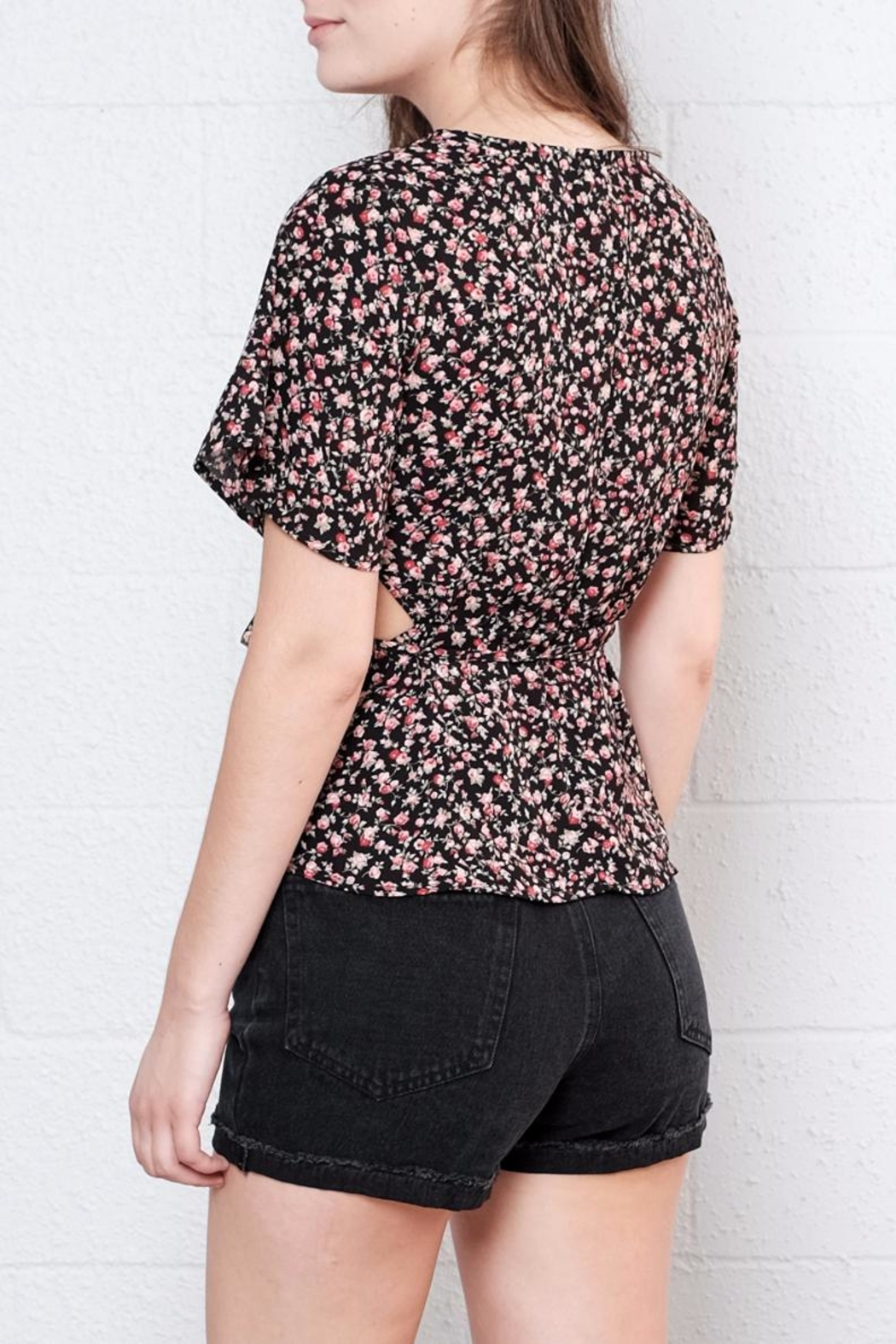 Honey Punch Floral Wrap Top - Side Cropped Image