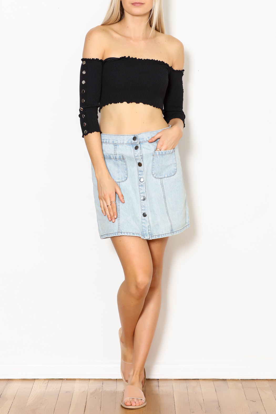 hot and delicious Button Sleeve Top - Side Cropped Image
