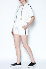hot and delicious Side Stripe Short Set - Side cropped
