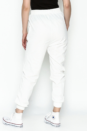 hot and delicious White Printed Pants - Back cropped