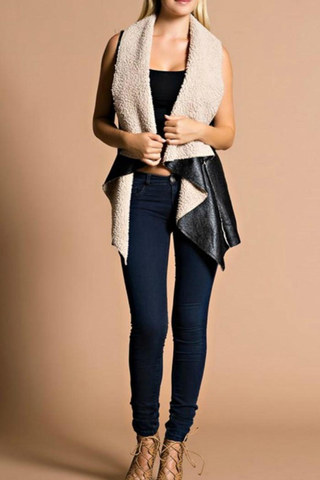 Hot & Delicious Shearling Vest - Side Cropped Image
