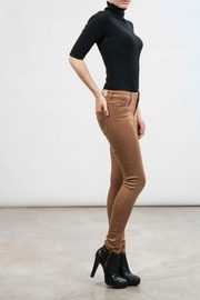 hotel particulier Camel Skinny Trousers - Front full body