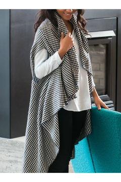 DEMDACO Houndstooth City Wrap - Product List Image