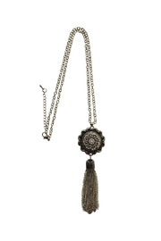 House and Garden Boutique Pearl Snap Necklace - Front cropped