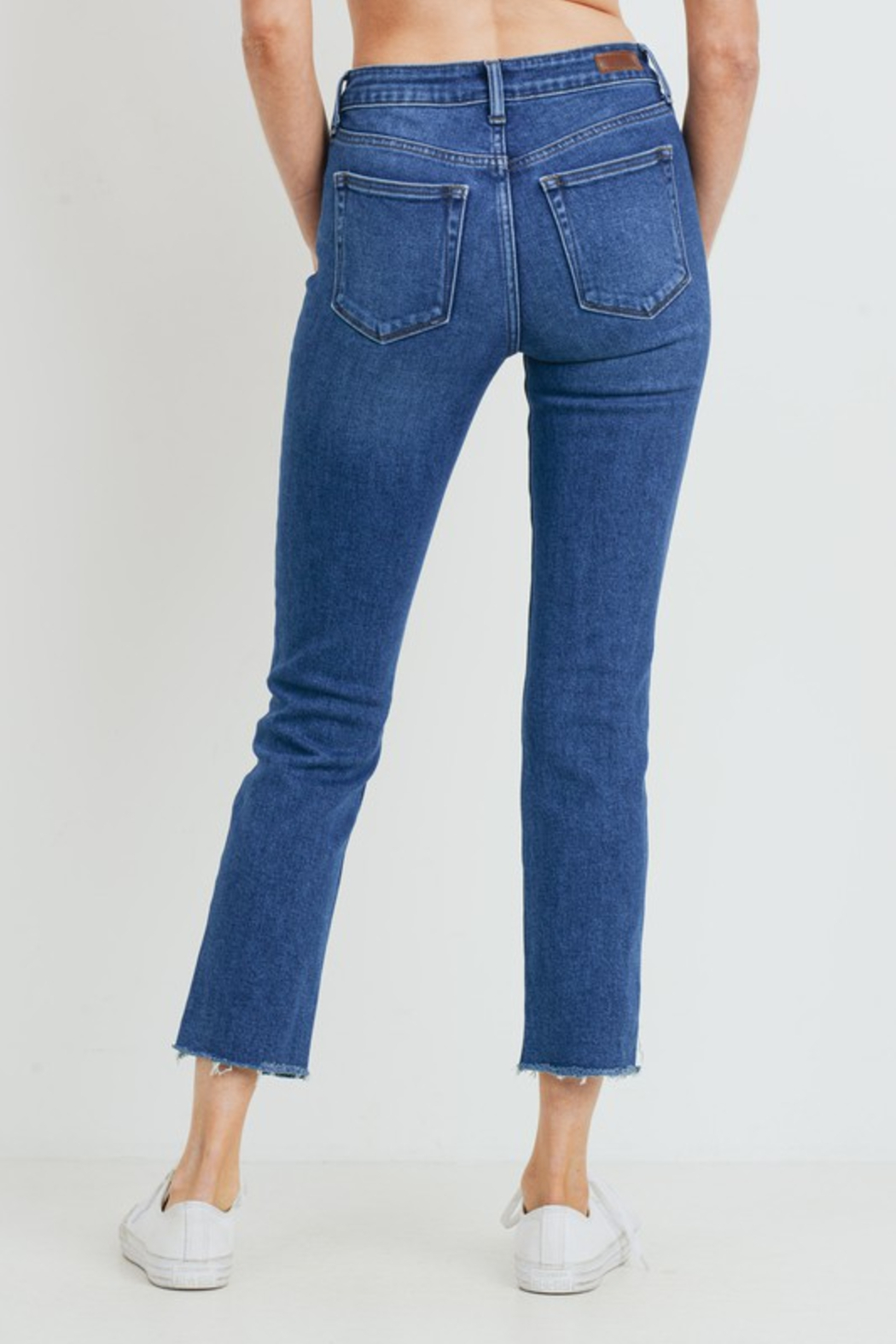 just black HR Relaxed Fray Skinny - Side Cropped Image