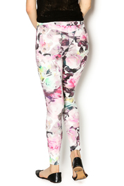 HUE Floral Print Jegging - Back cropped