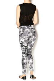 HUE Floral Print Jegging - Side cropped