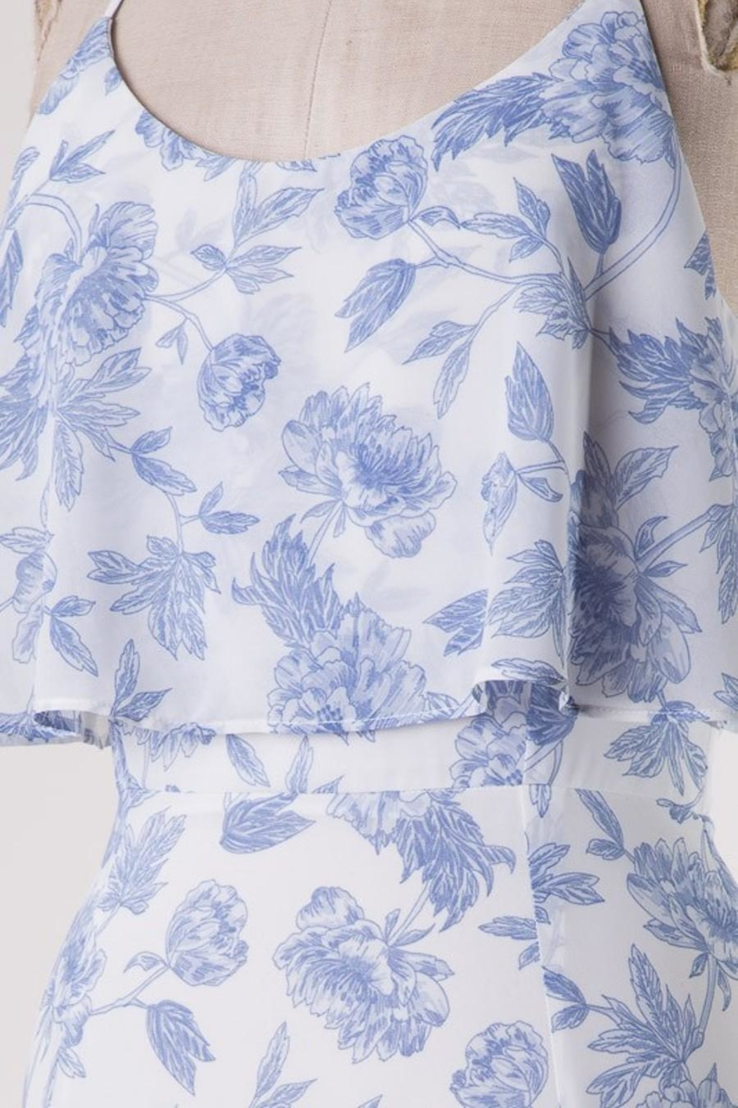 HYFVE Blue Floral Perfection - Side Cropped Image