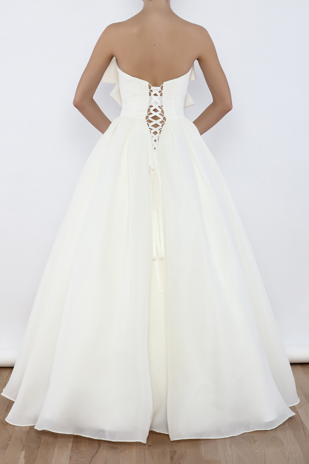 I do wedding dress bow ball gown from massachusetts by i for Wedding dress shops in ma