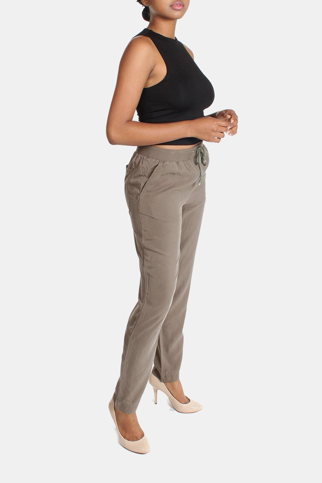 Illa Illa Olive Drawstring Pants - Side Cropped Image