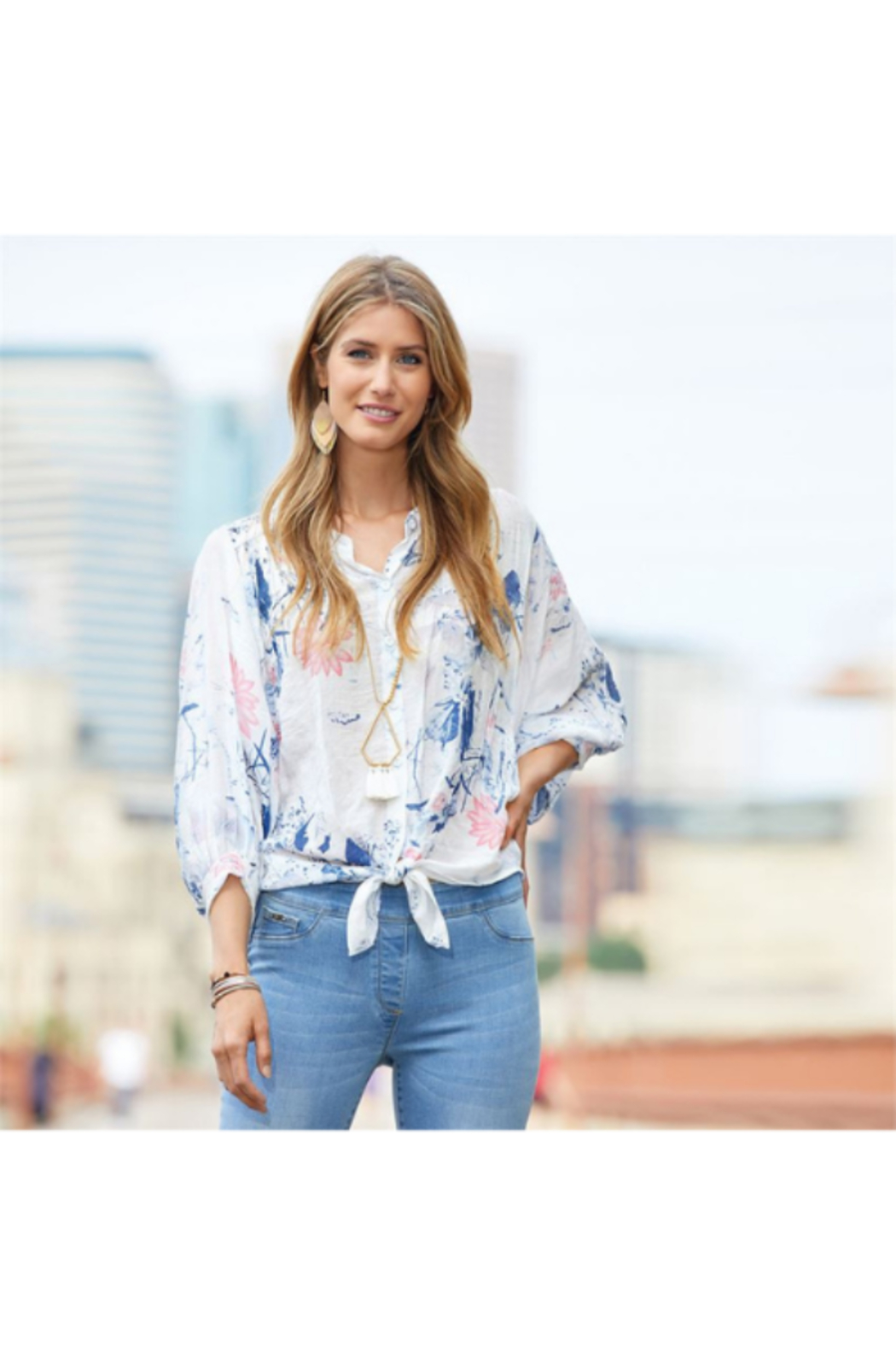 CoCo and Carmen  INDIE FLORAL BALLOON SLEEVE BLOUSE - Side Cropped Image