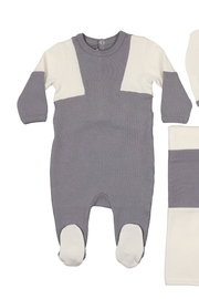 MON TRESOR  INFANT COLOR A LA FOOTIE - Front cropped
