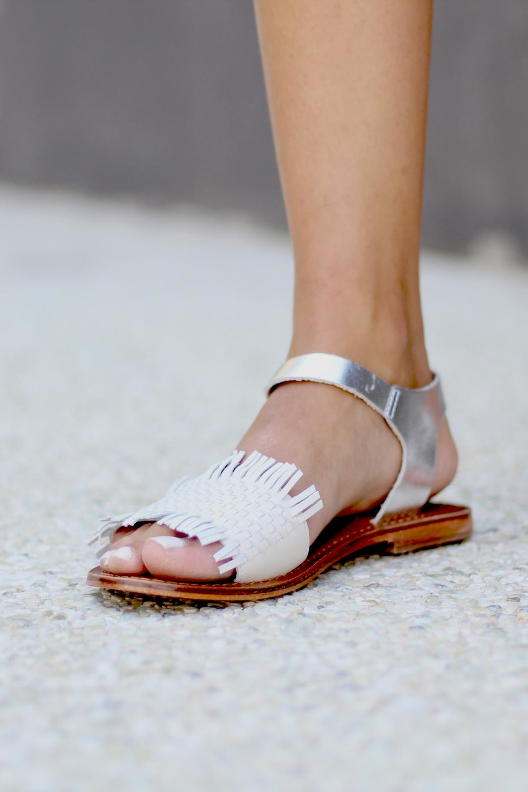 Inuovo Flat White Sandal - Side Cropped Image