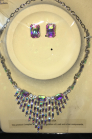 Fashion Iridescent  Statement Piece Necklace Set - Front cropped