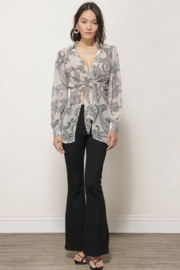 Line & Dot ISABEL PAISLEY PRINT TIE BLOUSE - Side cropped
