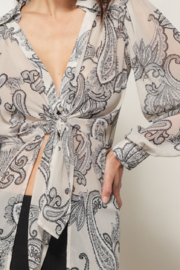 Line & Dot ISABEL PAISLEY PRINT TIE BLOUSE - Back cropped