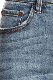 it's me High-Rise Mom Jean - Back cropped