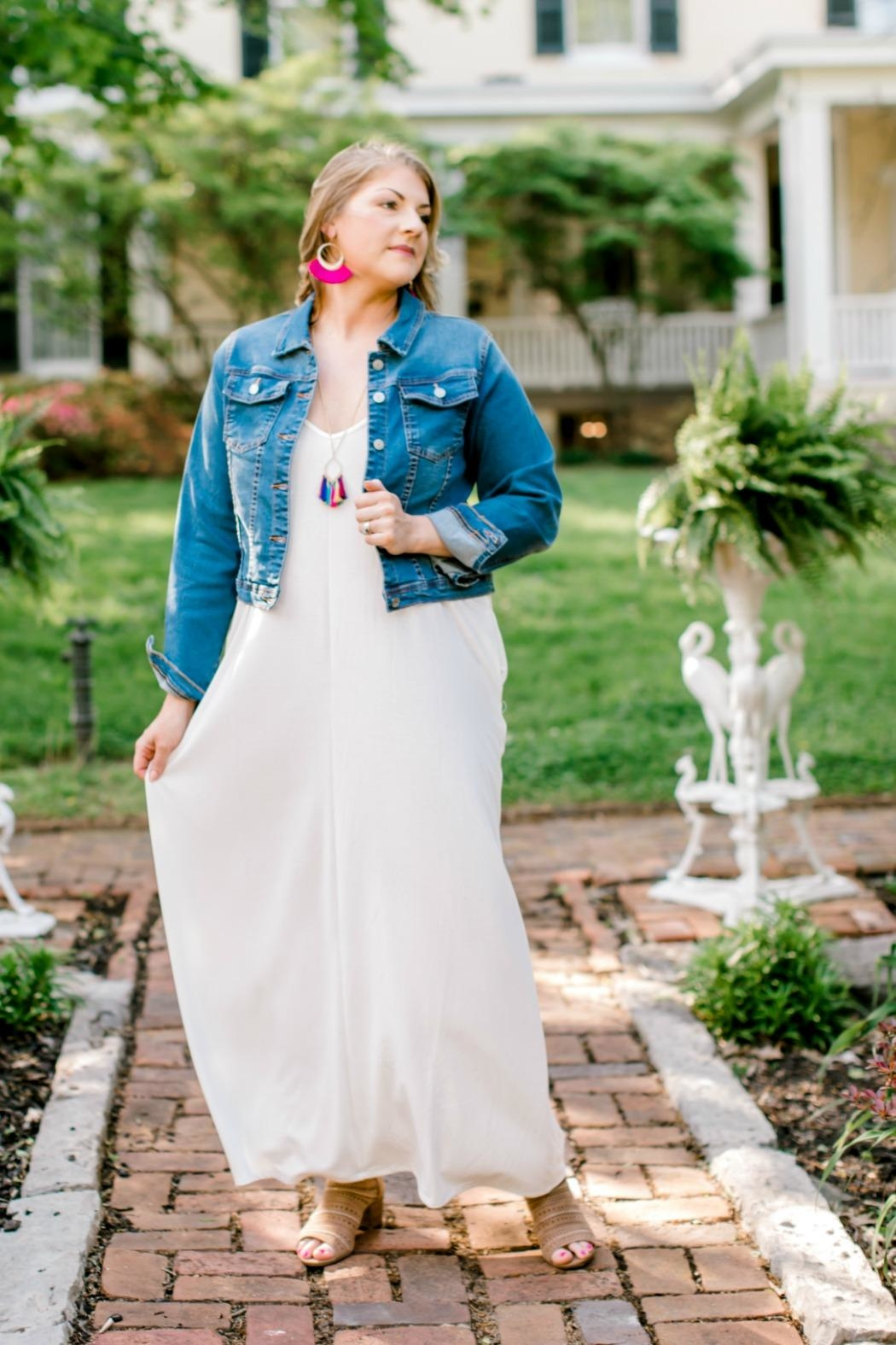 Izzie's Boutique Ivory Maxi Dress - Side Cropped Image