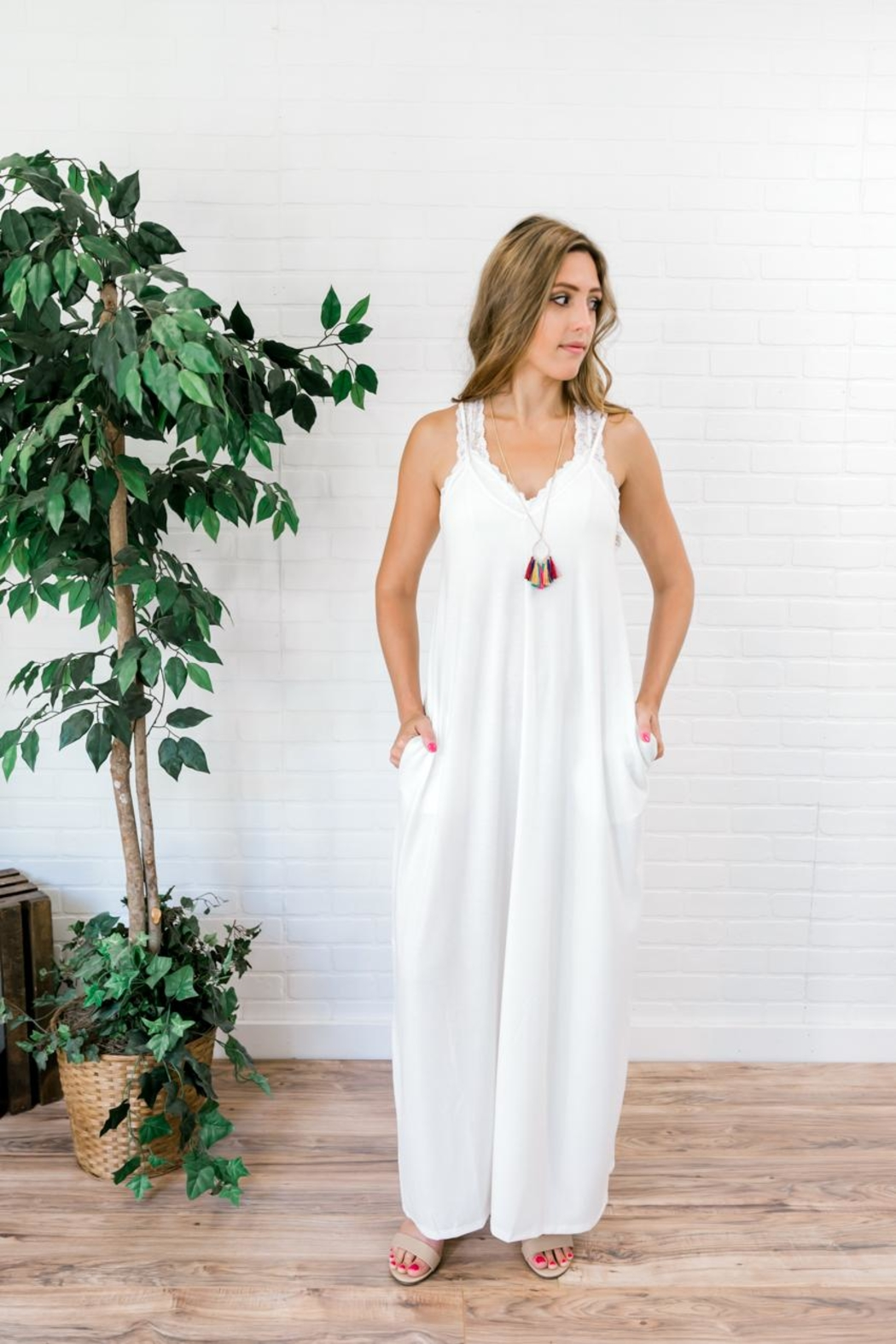 Izzie's Boutique Best White Maxi - Side Cropped Image
