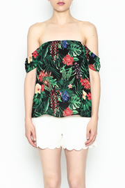 Izzy & Lola Cabana Tropical Top - Front cropped