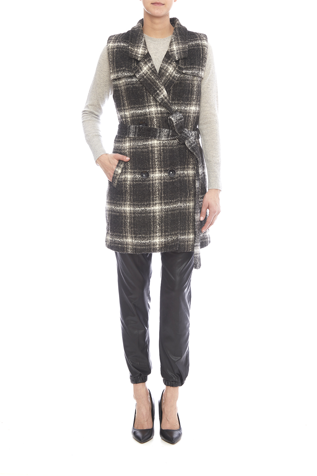 j o a los angeles plaid vest from denver by the street boutique shoptiques. Black Bedroom Furniture Sets. Home Design Ideas