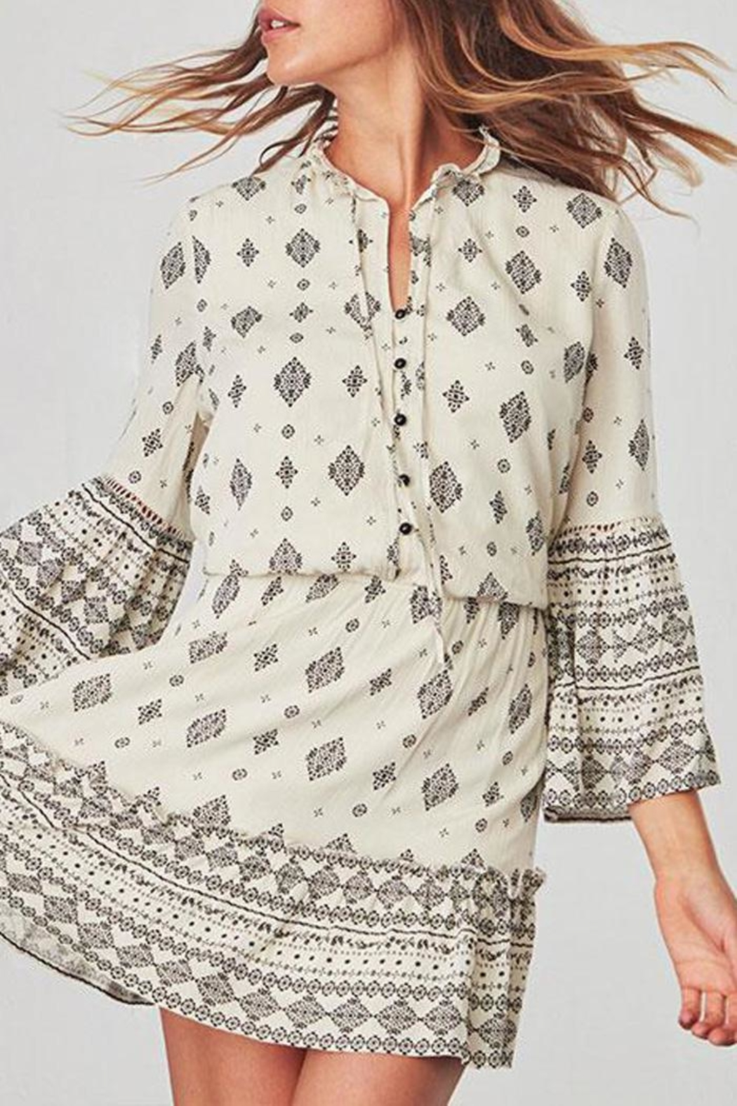 Jack by BB Dakota Andee Patterned Dress - Side Cropped Image