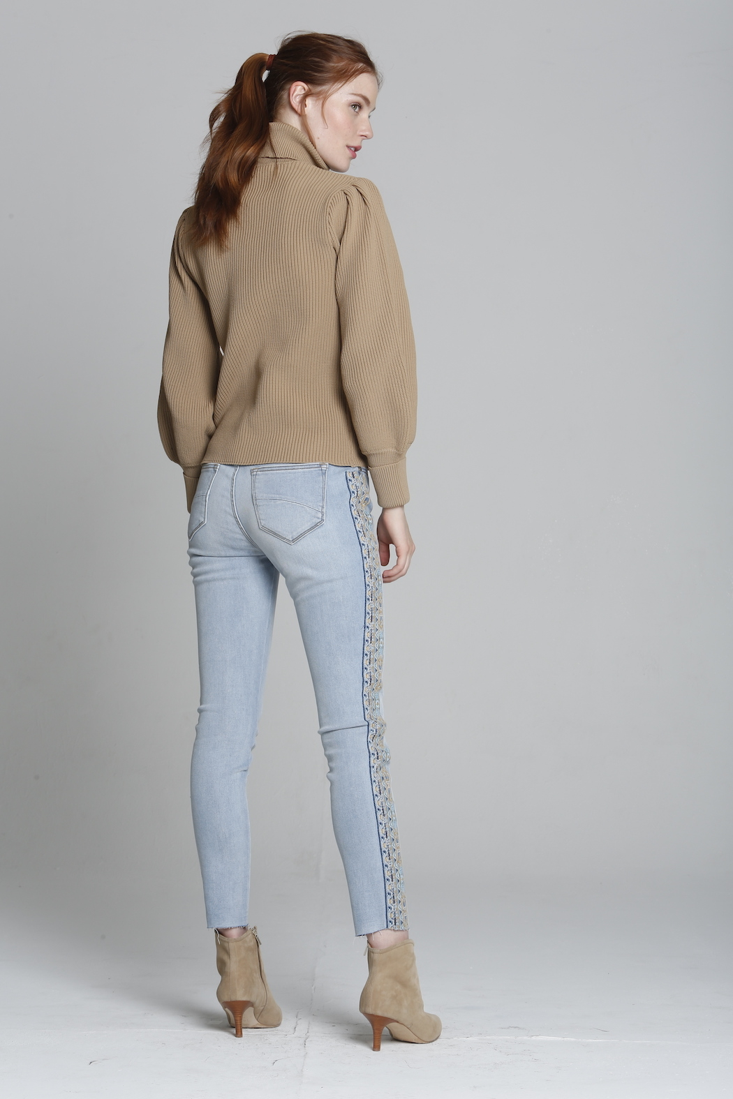 Driftwood Jackie X Blue Taupe Embroidered Jeans - Side Cropped Image