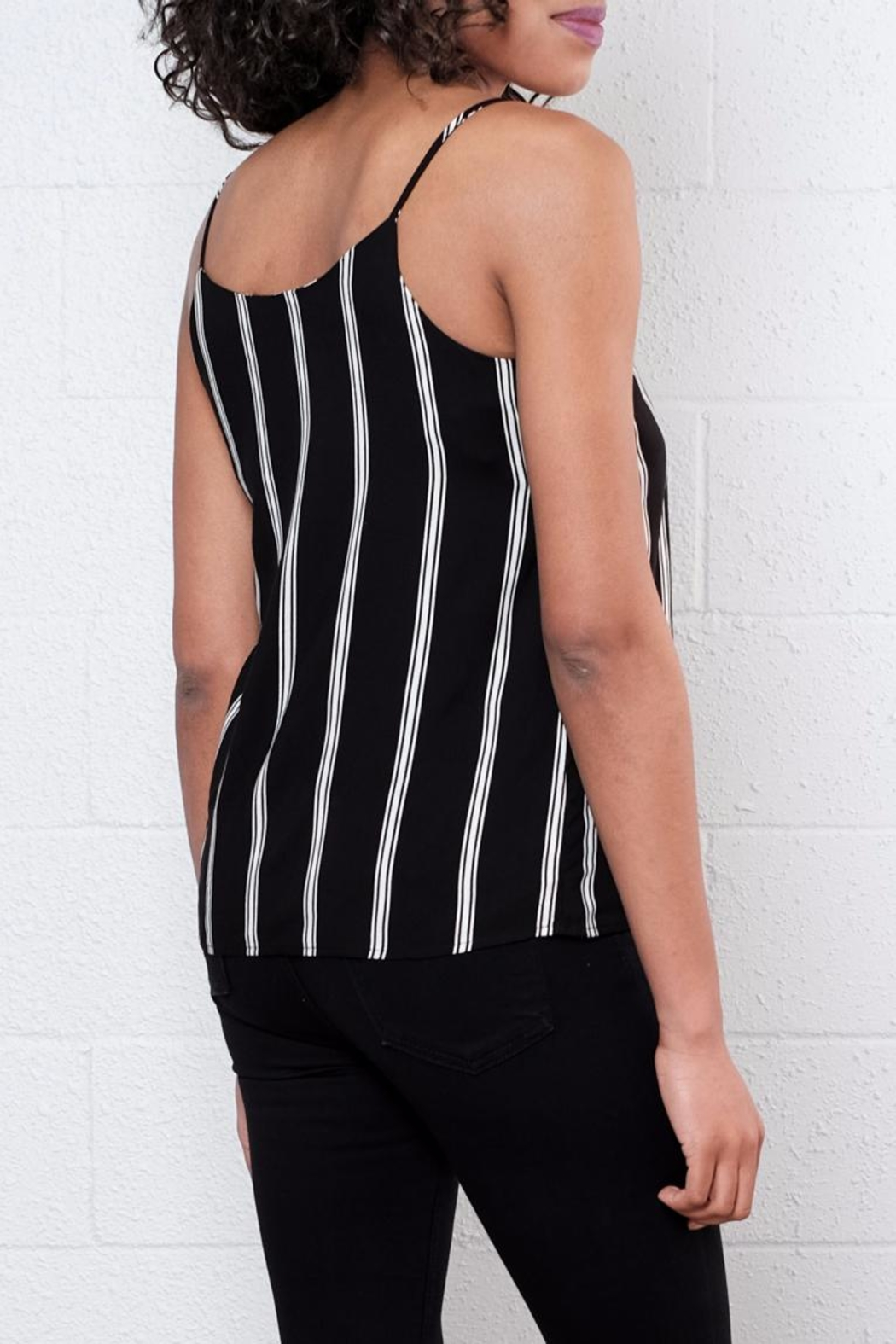 Jacqueline de Yong Epic Relaxed Singlet - Side Cropped Image