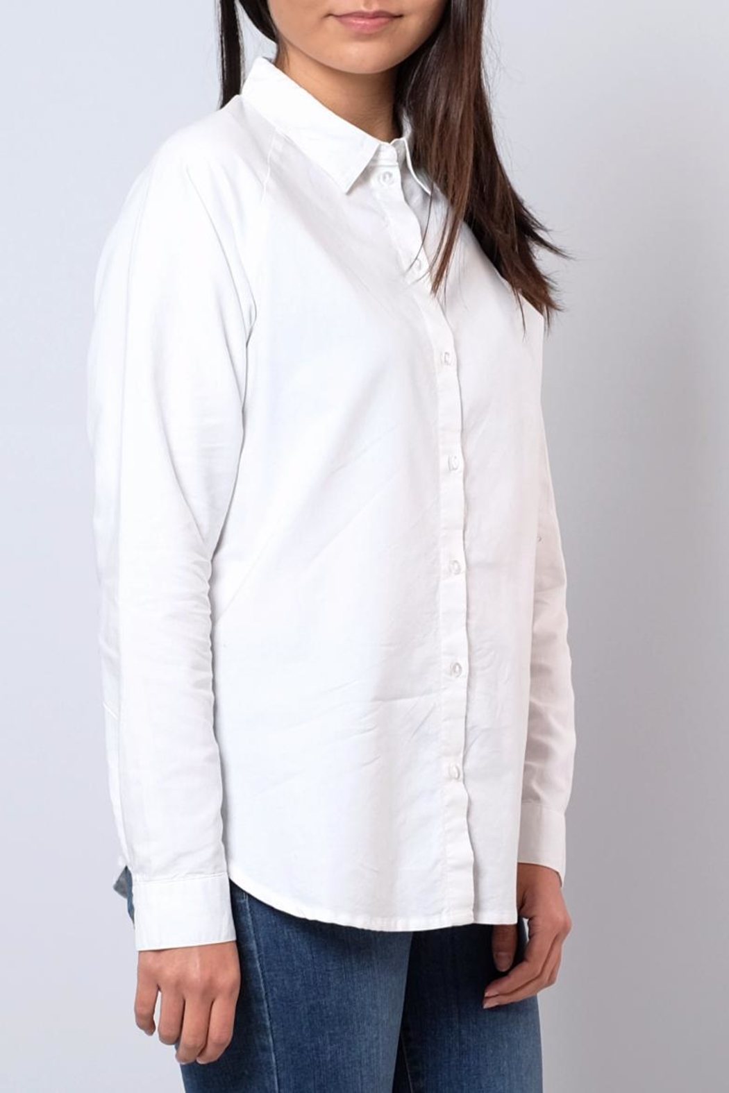 Jacqueline de Yong Relaxed Oxford Shirt - Side Cropped Image