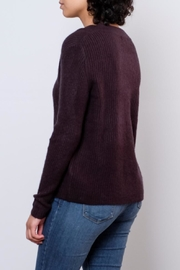 Jacqueline de Yong V Neck Pullover Top - Side cropped