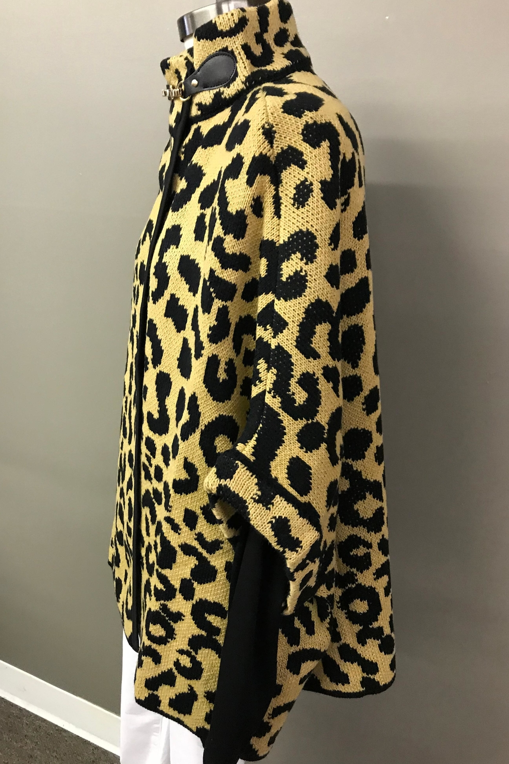 Janice Cheetah Sweater Jacket - Front Full Image
