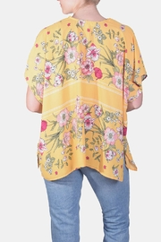 Love Tree Japanese Floral Kimono - Side cropped