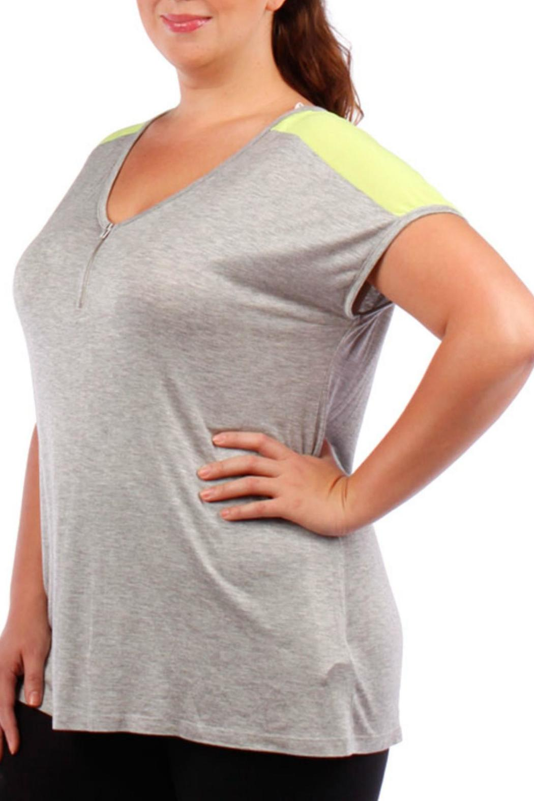Jasmine Plus-Sized Green/grey Tee - Front Cropped Image