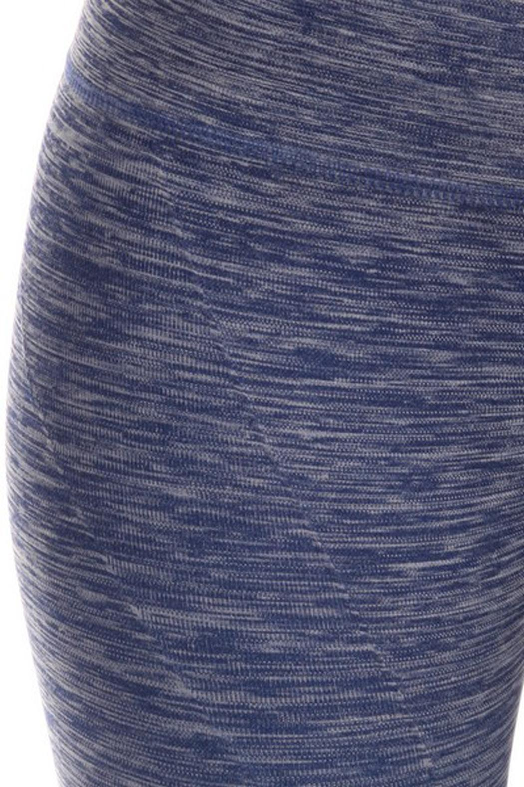 JChronicles Ombre Capri Legging - Back Cropped Image